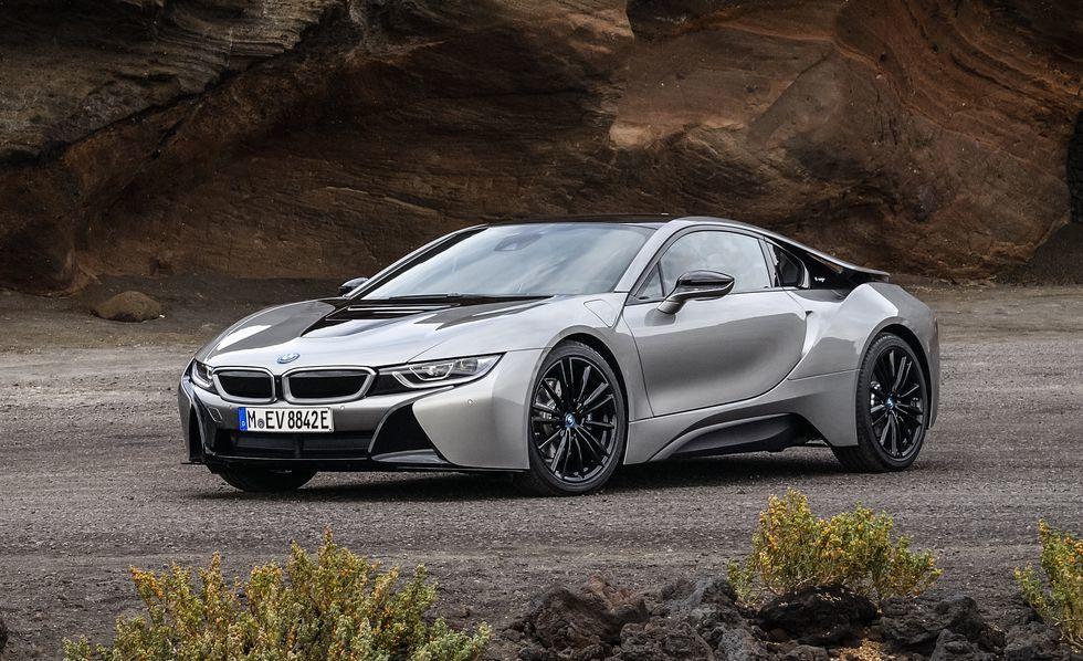 BMW i8 (Images: Caranddriver)